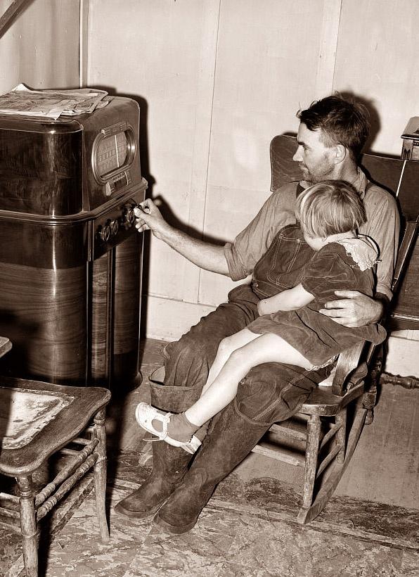 radio listening 1932