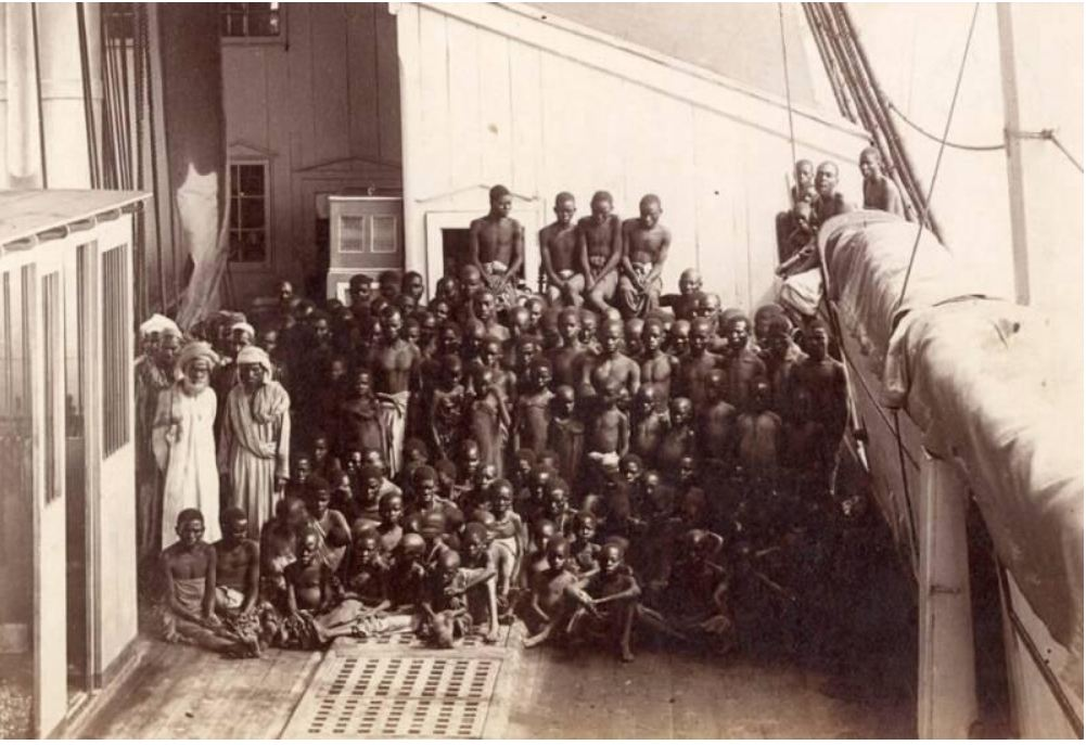 slave ship picture  photo lage