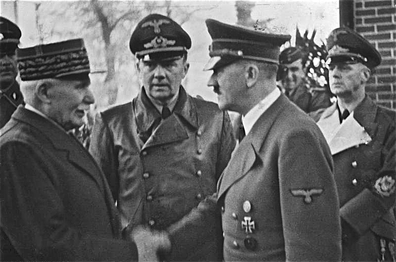 Bundesarchiv_Bild_183-H25217,_Henry_Philippe_Petain_und_Adolf_Hitler