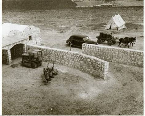 beit eshel 1944 a year afer establishment water carried by  horses
