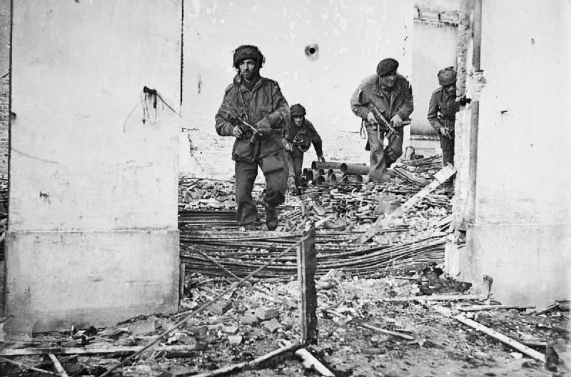 British_paratroopers_in_Oosterbeek