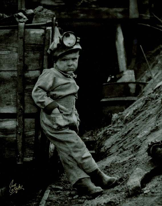 Child Labor at the coal mine.  us 1909