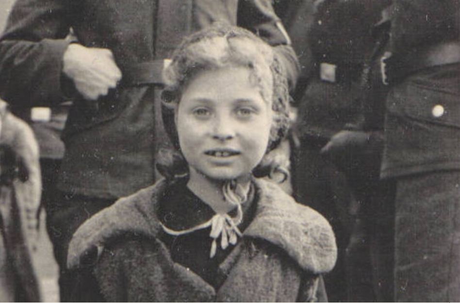 Warsaw_Ghetto_7_years_old_Jewish_girl
