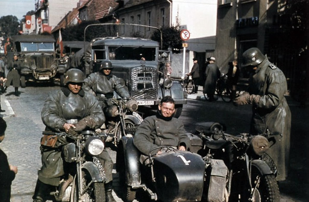 Sidecar-motorcycle-with-crew-at-rest