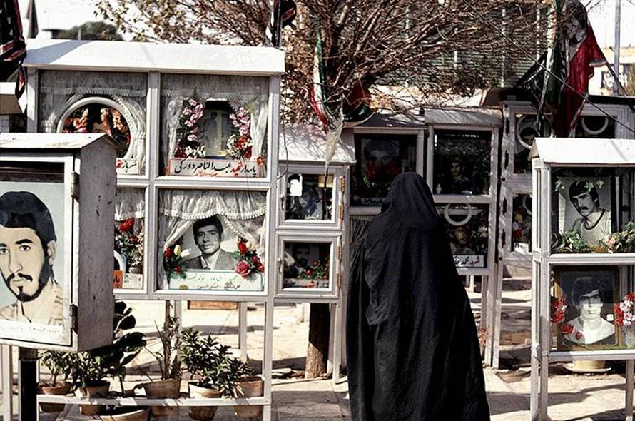 iran_war_cemetry_Behest-e_Zahra__Tehran_800px_6ba0c6a87c