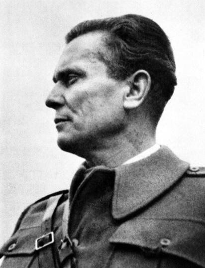 Josip_Broz_Tito_Bihać_1942