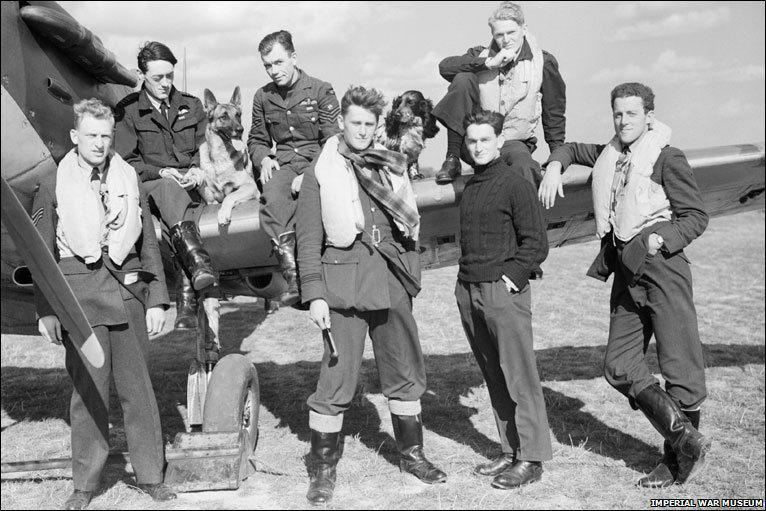 Spitfire crew with dogs