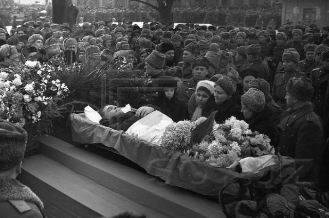 charnikovsky funeral