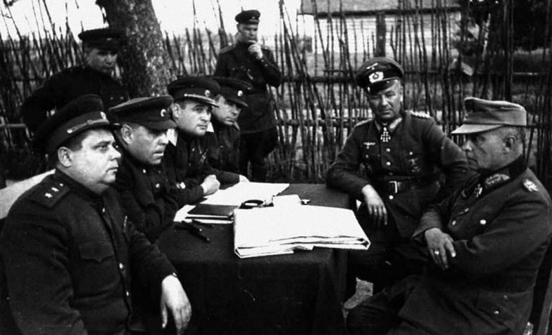 chernokevsky and german officers 1944