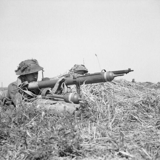 piat 1944