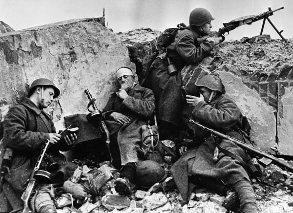 life soviet soldiers