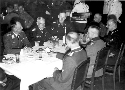 Canaris.jpg and officers
