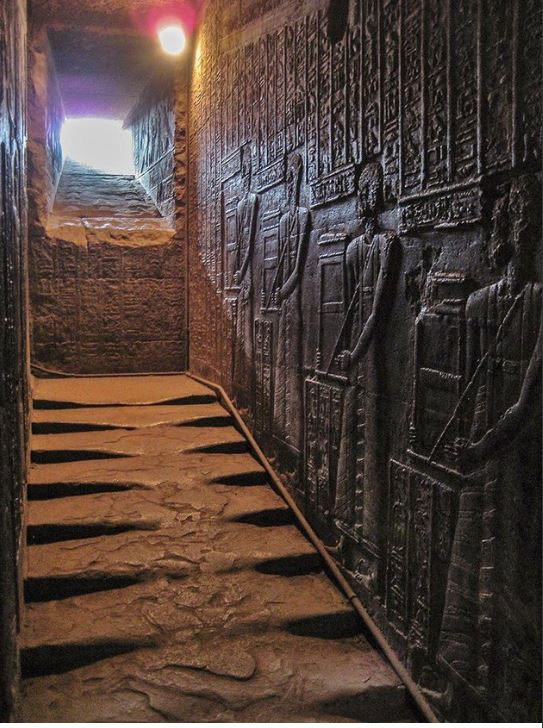 ancient-egypt-temple-hator