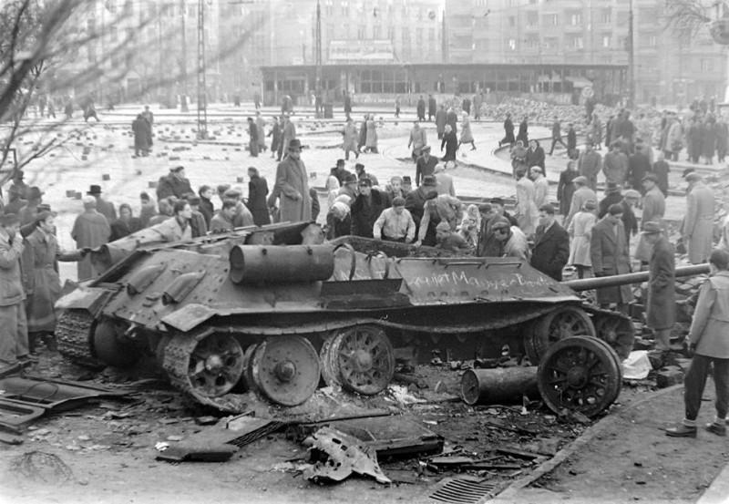 hungary-soviet-tank-1956